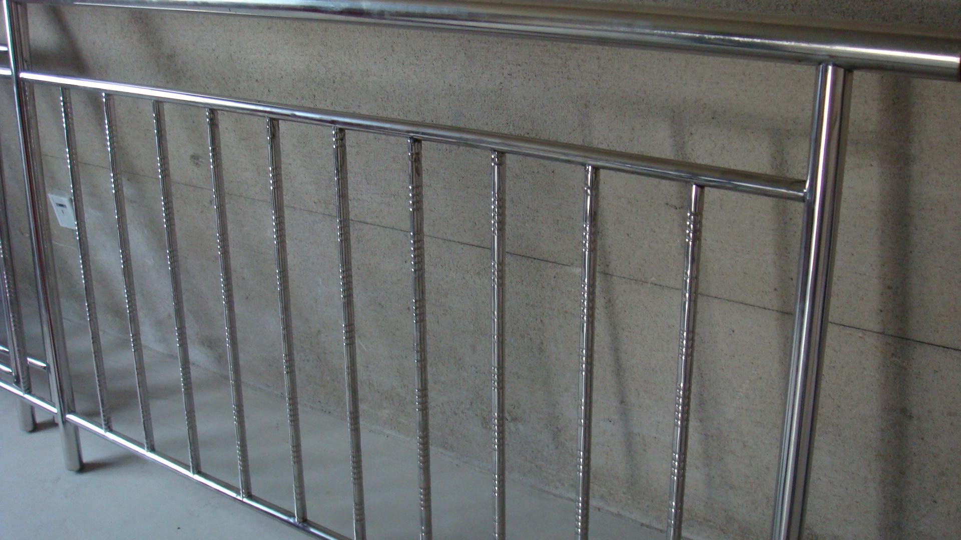 白钢护栏_\