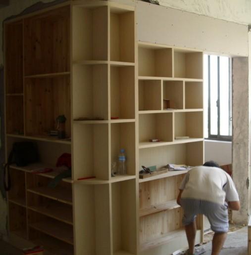 鞋柜酒柜一体 玄关隔断鞋柜与酒柜的装修效果图