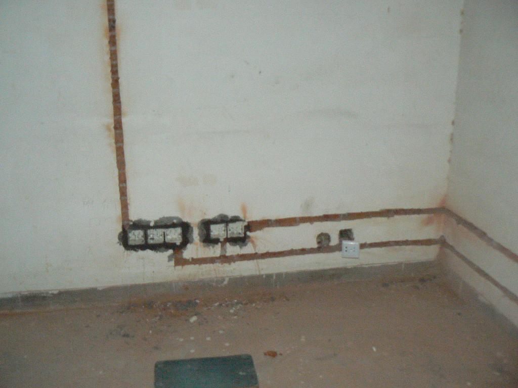水电14日进场 水电布线中 更新了电路开槽图片齐家论坛 装修技巧 装修高清图片